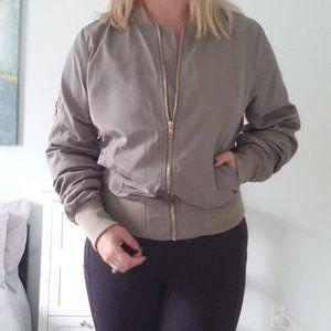 Lined windbreaker style jacket